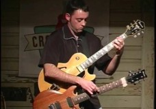 Rhett Butler: Playing Two Guitars At the Same Time