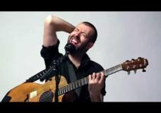 Jon Gomm- Tuners on Guitar