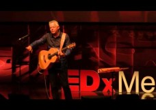 Tommy Emmanuel: Playing All Parts At Once